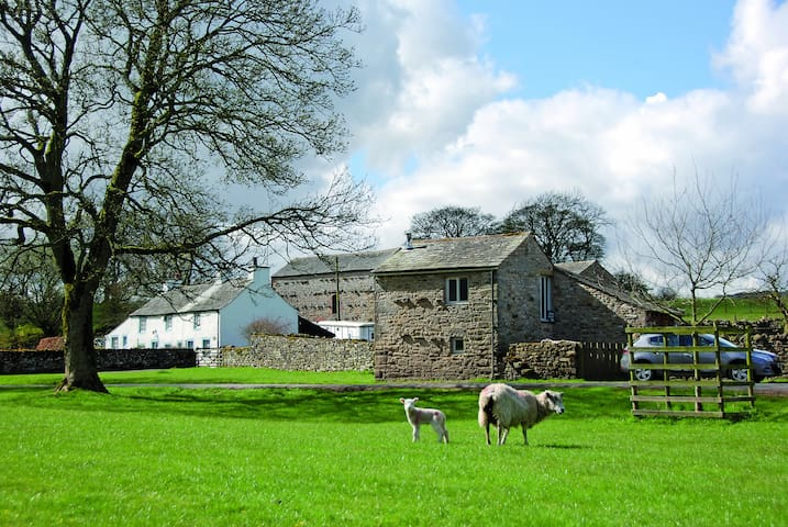 The Brew House. Romantic Yorkshire Dales Cottage.