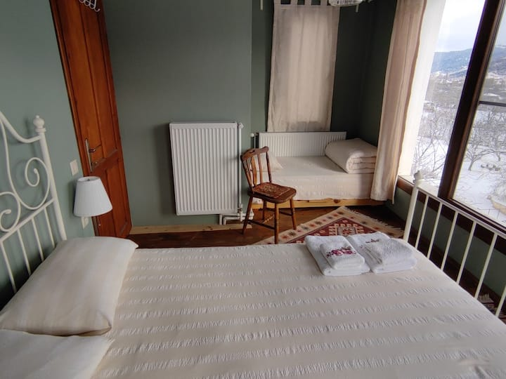 Deluxe Suite With Mountain View