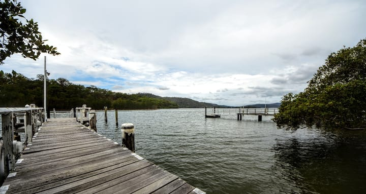 9 Milson's Passage Retreat - Boat access only