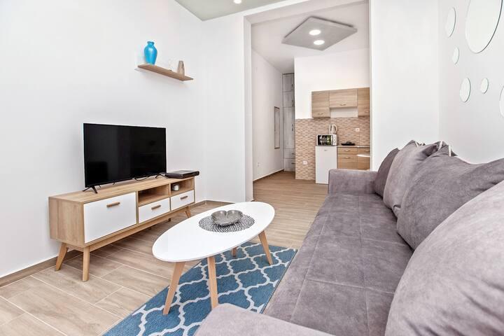 Apartment Nella 3- cozy studio with sea-bay view