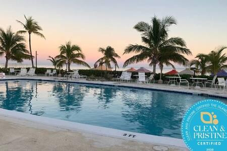 Beach-side Condo at Coral Beach, Freeport Bahamas