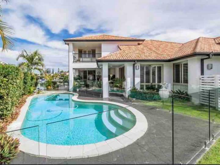Gold Coast No. 1 Luxury Waterfront House