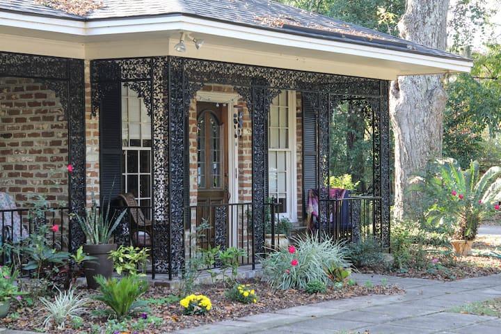Savannah Charm
