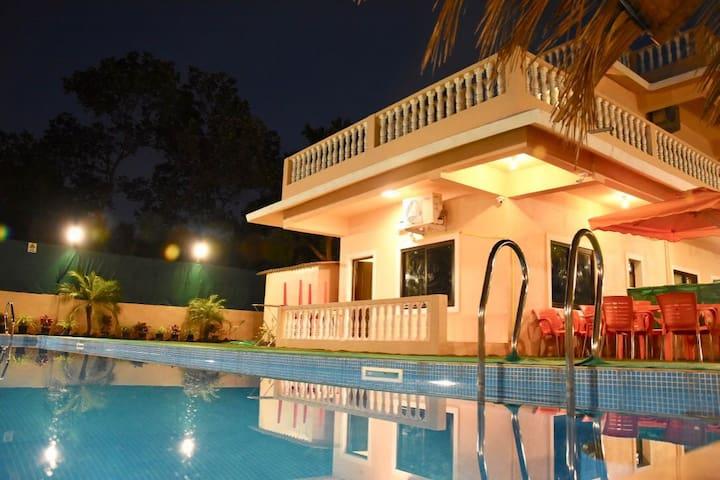 5BHK villa near BAGA beach with pvt pool & chef