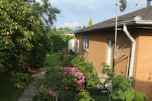 Souterrain Appartement in ruhigem Wohngebiet