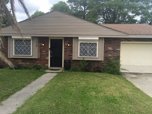 TOP RATED★3-BR Home★Great for Groups★Instant Book! - Nova Orleans