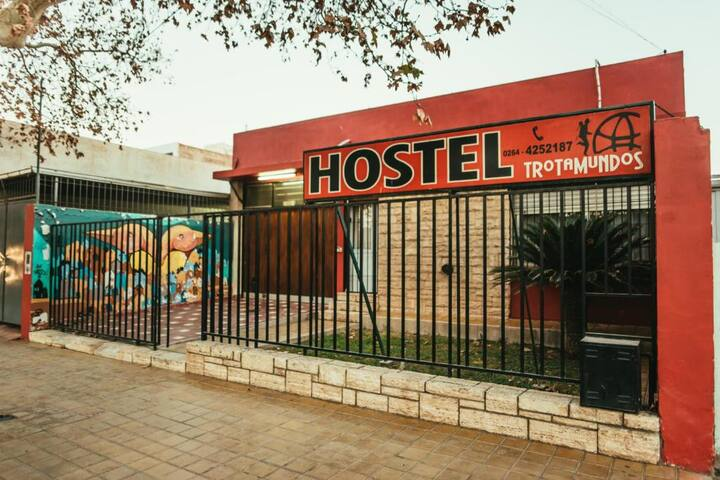 Hostel Trotamundos 5 blocks from the Bus Station