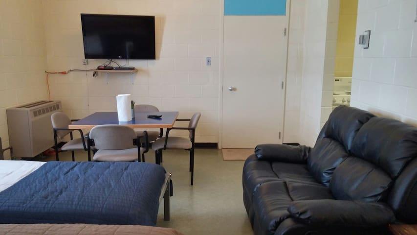 Bachelor Suite in a unique Retreat