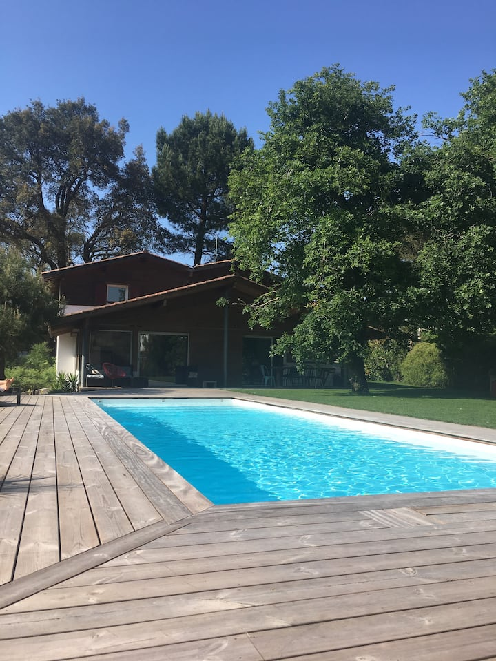 Villa avec superbe piscine chauffée à Capbreton