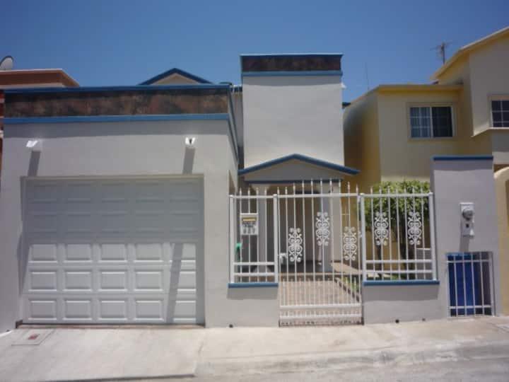 Casa Azul En Lomas Del Mar