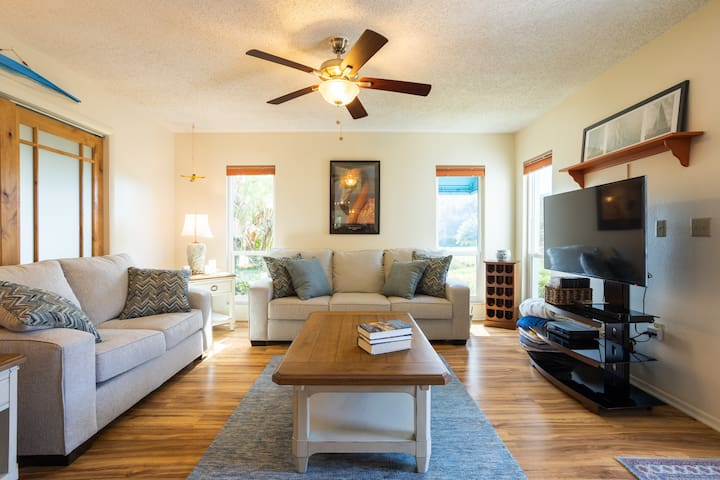 Beautiful 3 bed/3bath Perico Island home