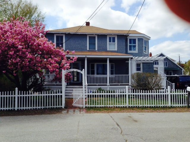 Charming Ocean View- Private Beach - Scituate - House