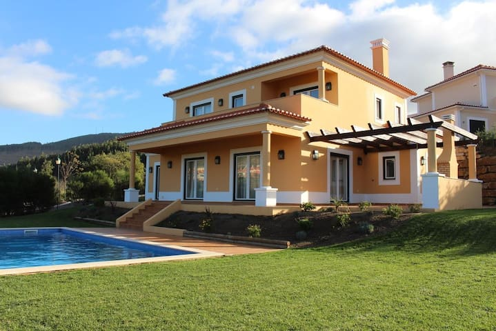 Campo Real Golf & Resort House - Lisboa - Stuga