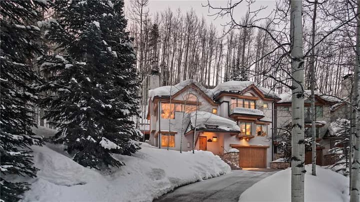 4BR Newly Remodeled Home + Free Ski Shuttle - Cascade Lodge