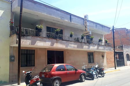 Hotel comodo y céntrico en YAYUALICA¡¡