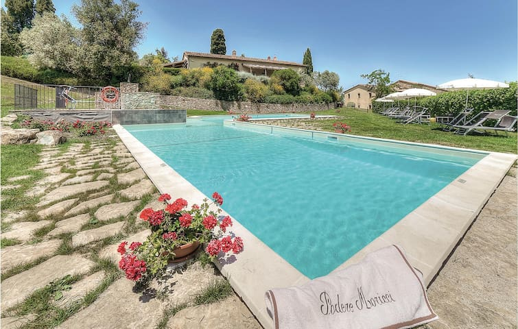 Holiday apartment with 2 bedrooms on 80m² in Montaione FI