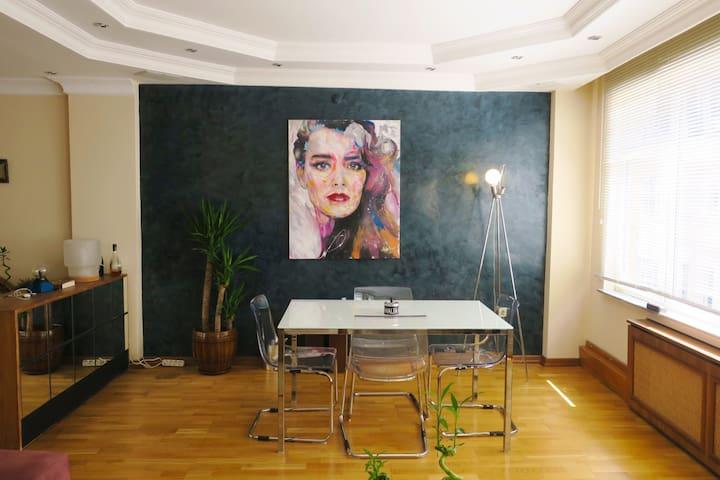 Centrally Located Flat in Nişantaşı - Şişli - Apartment