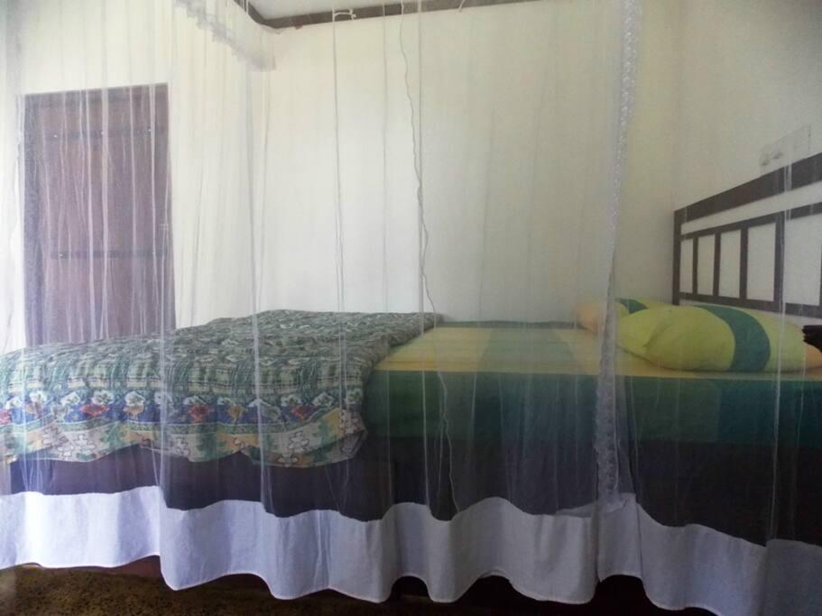 Room/bed