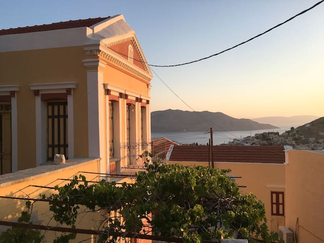 Private & Serene- Astounding Views at Prokos House - Ano Symi - 단독주택