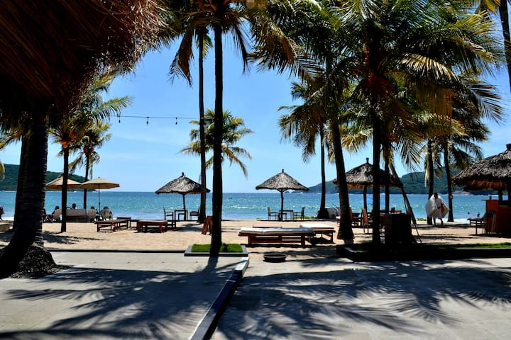 Cozy Condo with beach access