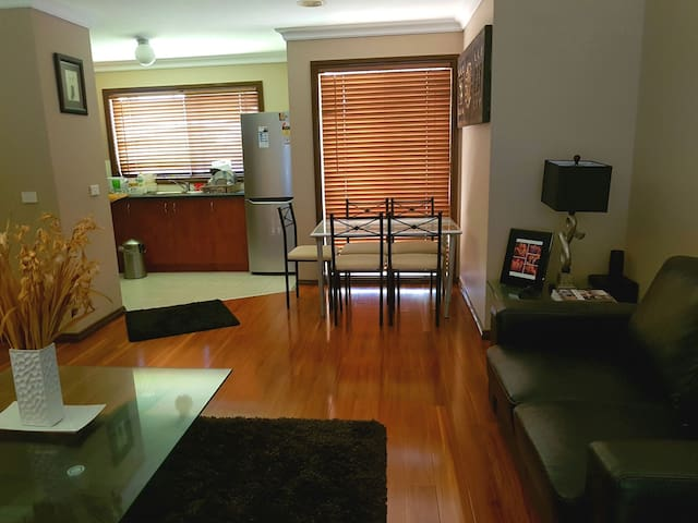 Beautiful home in a safe suburb - Noble Park  - Apartment