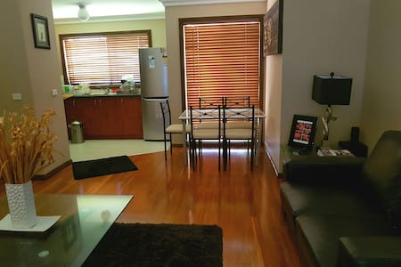 Beautiful home in a safe suburb - Noble Park  - 公寓