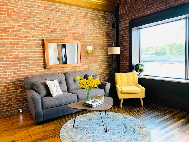 Historic Havana Lofts ~ North Bank Loft ~ Downtown