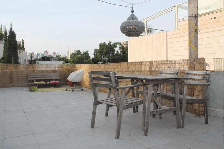 Private Rooftop Apartment in Centre of Tel Aviv