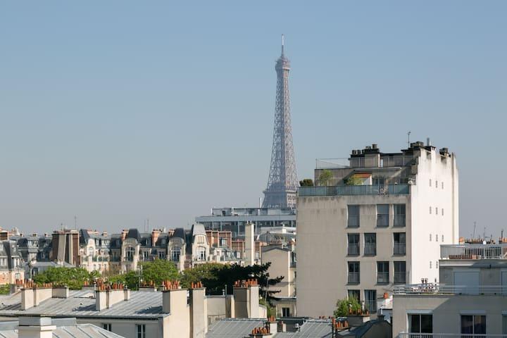 2 pièces Paris Tour Eiffel