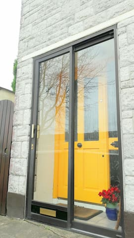 Comfortable Home, Perfect Location - Cork - Hus