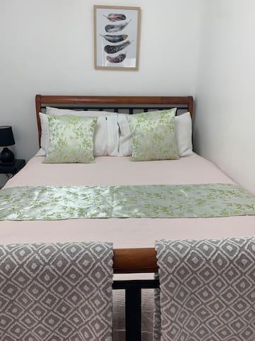 Double bed cotton linen