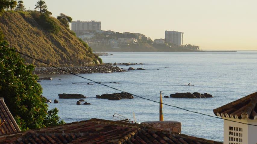 Carvajal: playa, parking y ocio en Fuengirola