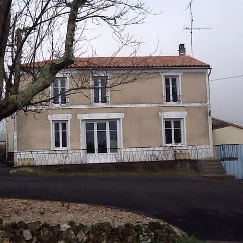 Maison de campagne - Lignières-Sonneville