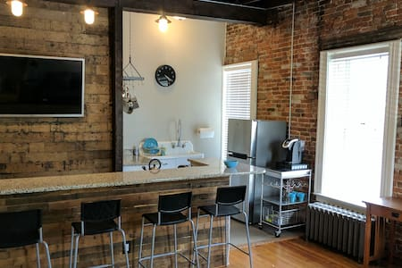 Bright, corner apt steps from Tower Grove Park