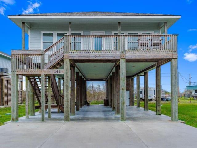 Welcome to Bub's Beach Retreat! Crystal Beach