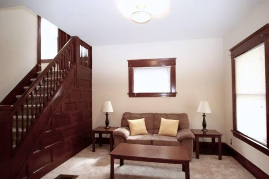 Entryway/Sitting Area