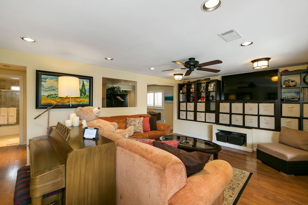Plenty of seating, plus a piano for the musically inclined in your group!