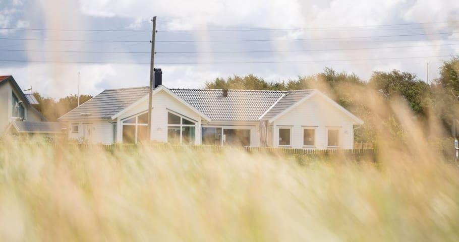 Stort sommarhus i Falkenberg 50 m från stranden