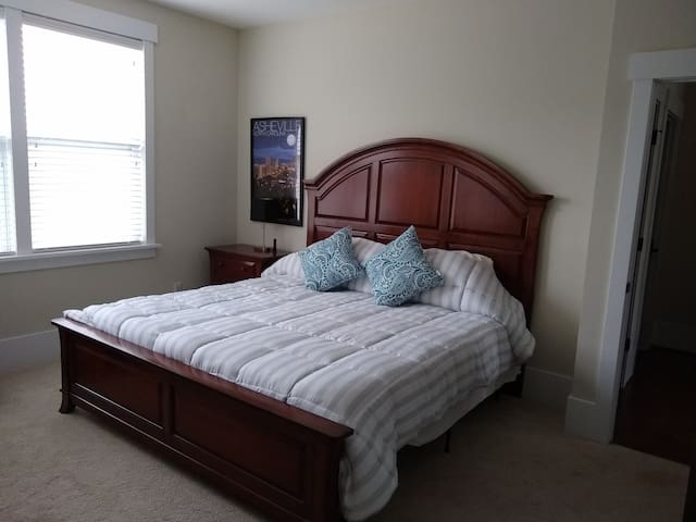 Luxurious King size bed and oversized comforter!