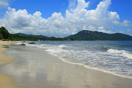 Flat on the beach and in Hong Kong! - South Lantau Island