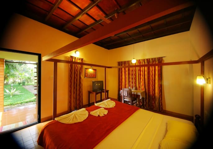 Authentic Ayurvedic Wellness Retreat - Pallom - Bed & Breakfast