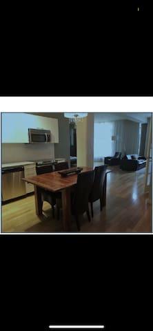 2 bedroom appartement downtown
