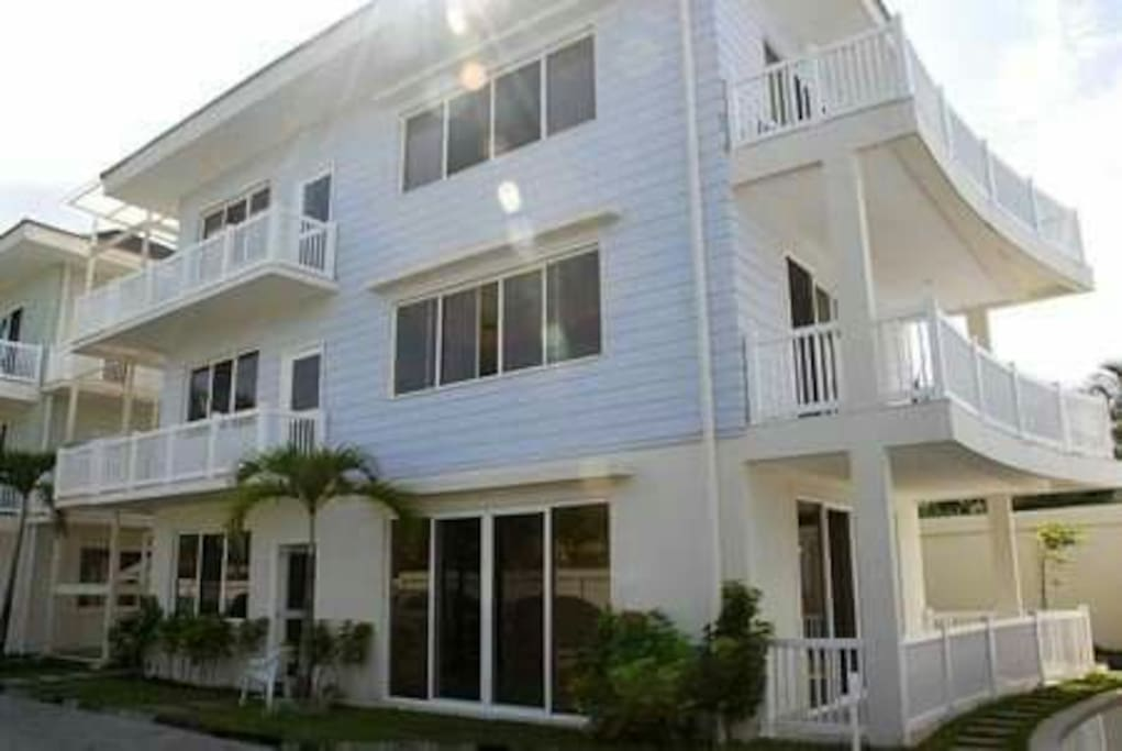 Edificio con seguridad 24 horas el apartamento esta en el primer piso