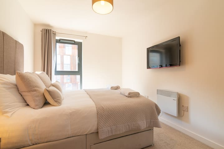 Second Double Bedroom with flatscreen TV