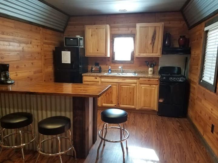 Redbud Lake Rentals Cabin #2
