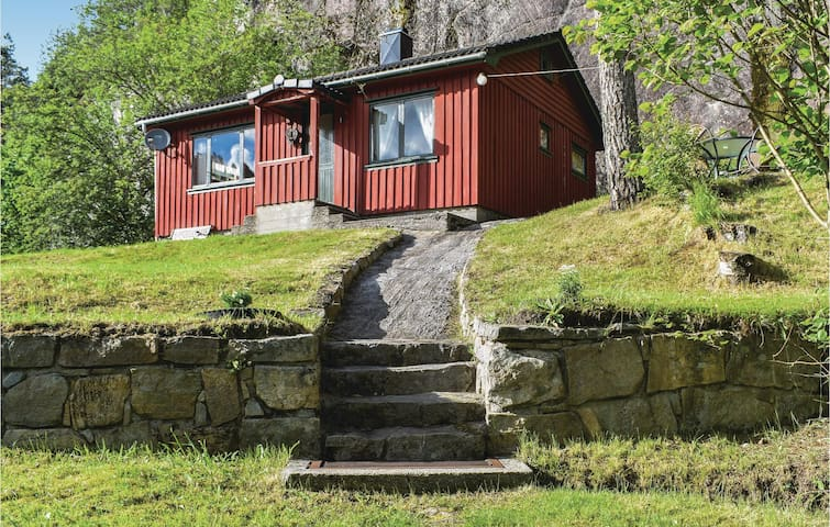 Holiday cottage with 2 bedrooms on 52m² in Kvinesdal