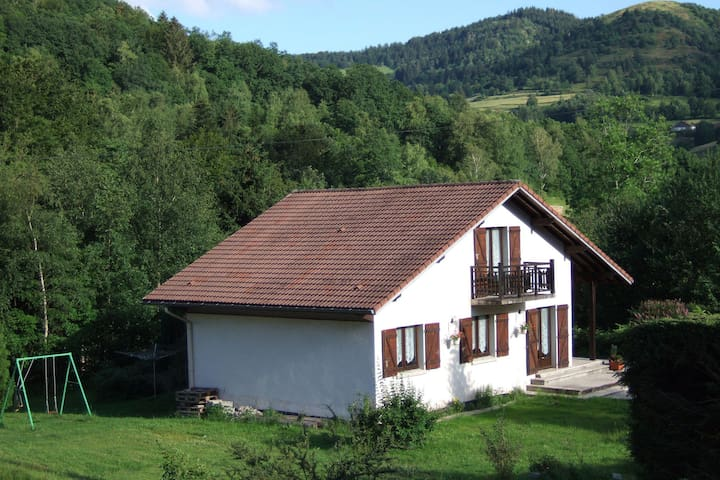 Valley-View Villa in Le Menil with Private Garden & Cross Country Nearby