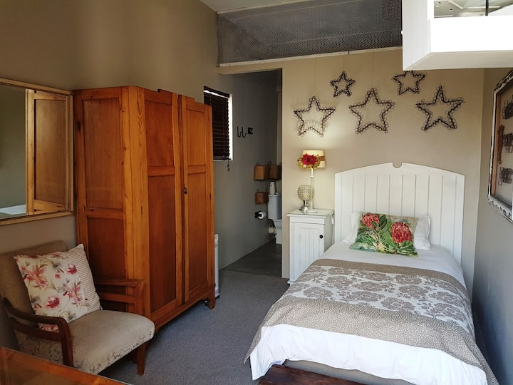 Hoekie B&B - Soldateklip Room