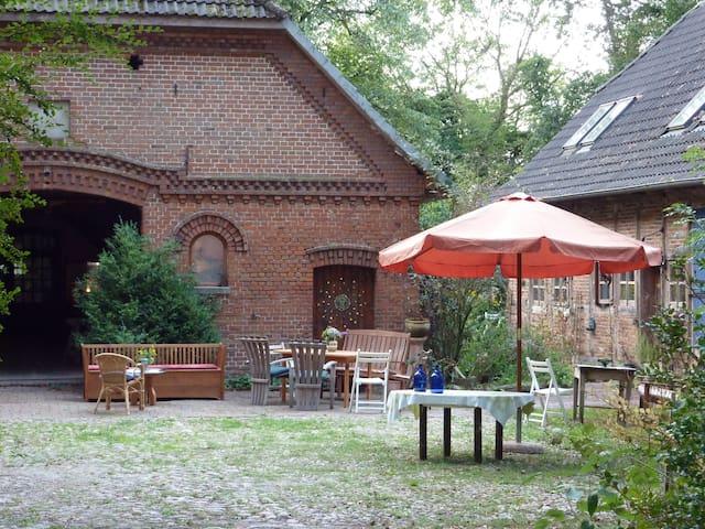 Uriger Hof für Naturliebende