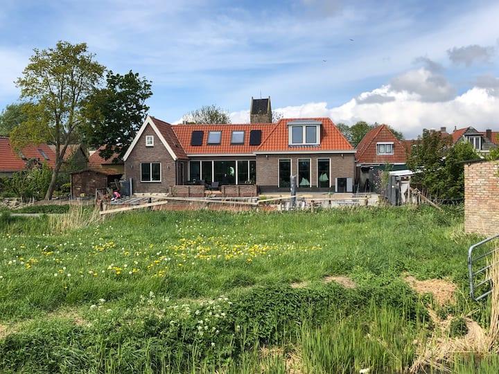 Boot naar Terschelling, Friesland toertochten. 2
